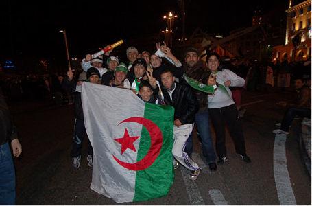 Estrosi est un maire digne et cohérent : Nice interdit les drapeaux étrangers avant le match Algérie