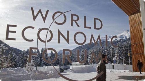 A Davos, l'élite soutient la société sans cash  Par Simone Wapler
