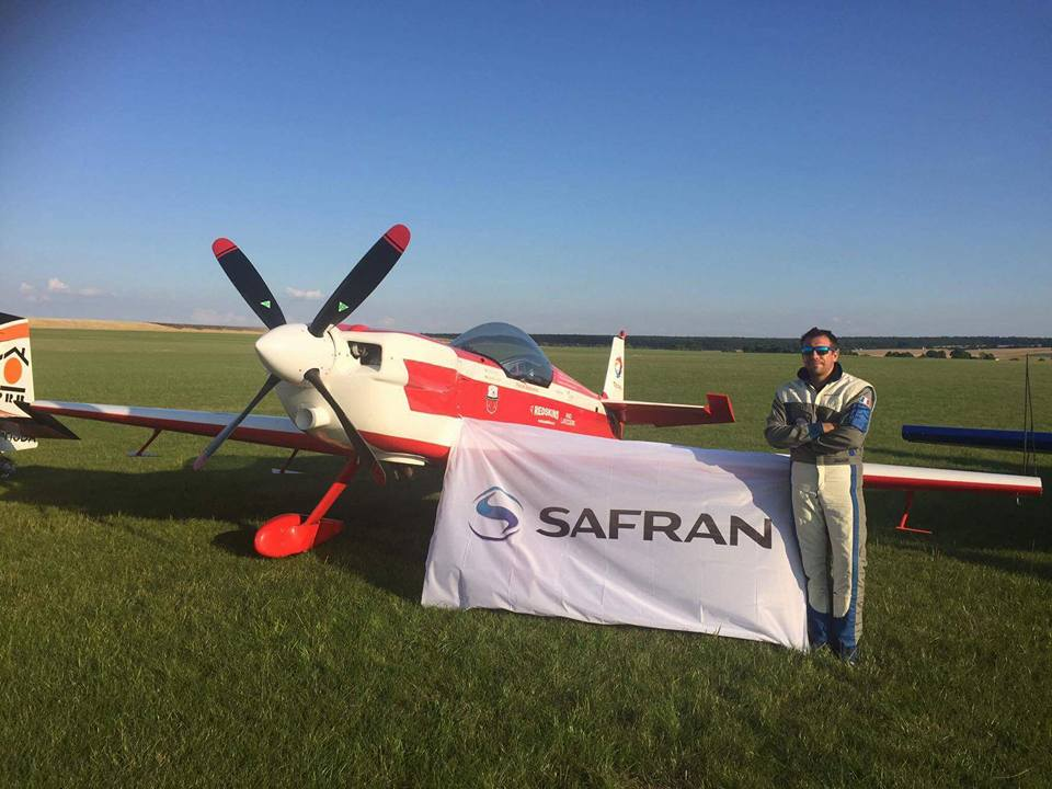 Voltige aérienne : Safran dans le vent de la victoire