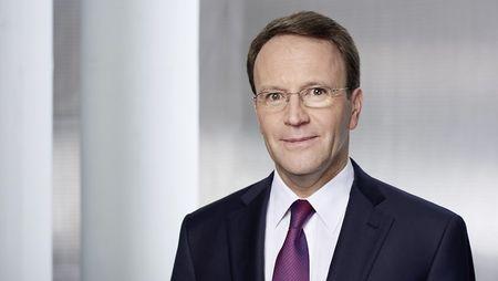 Qui est Ulf Mark Schneider?