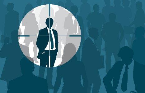 Devenez chasseur de têtes : Guidez vos relations vers le job de leurs rêves et profitez-en !