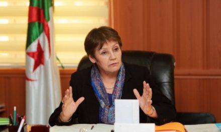 Algérie : Nouria Benghabrit interdit le port du voile intégral et du Niqab dans les écoles algériennes.