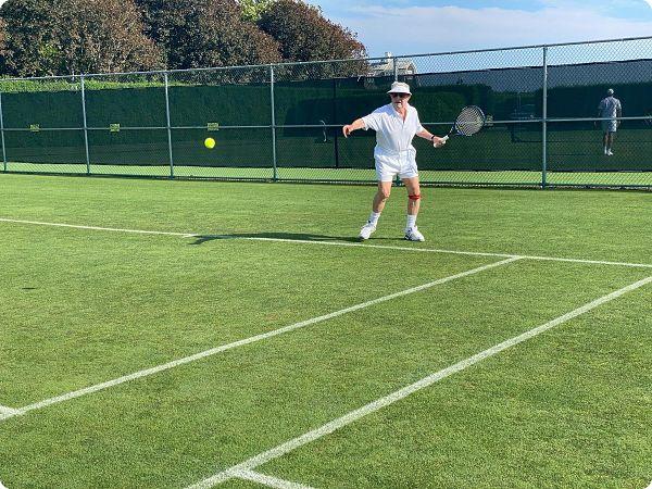 À 90 ans, George Soros joue encore trois fois par semaine au tennis